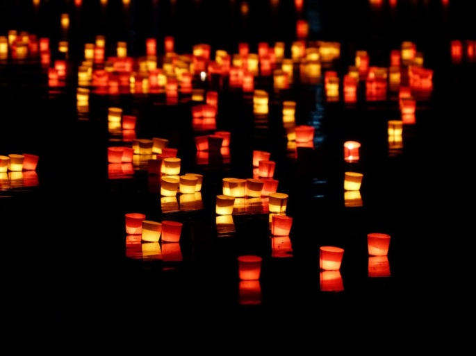 candles-168011_960_720